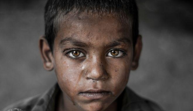 Οι αριθμοί της ντροπής: 415 εκατομμύρια παιδιά στο έλεος της βίας