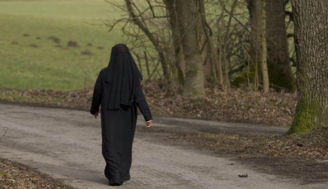Η Βαυαρία απαγορεύει την μπούρκα