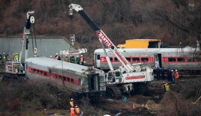 Δεν ήταν συγκεντρωμένος παραδέχεται ο οδηγός του τρένου που παρέσυρε τέσσερις ανθρώπους στο θάνατο