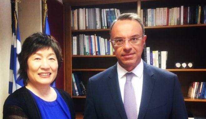 Συνάντηση Σταϊκούρα με την πρέσβη της Κίνας, Zhang Qiyue