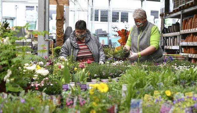Εργαζόμενοι σε φυτώρια στην Αυστρία