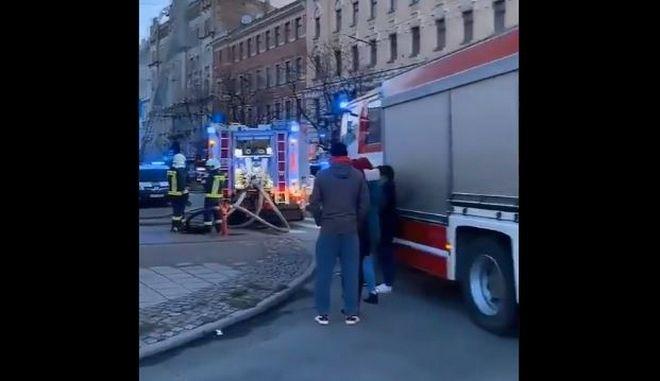 Τραγωδία στη Λετονία: Νεκροί και τραυματίες από φωτιά σε παράνομο τουριστικό ξενώνα