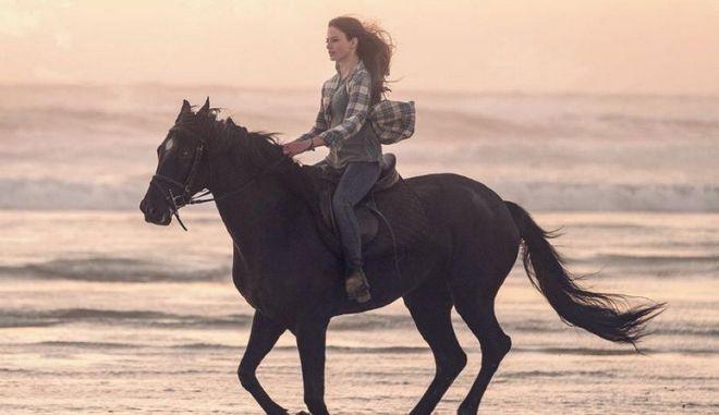 """Θυμάστε τη """"Μαύρη Καλλονή""""; Επιστρέφει σε νέα ταινία με τη φωνή της Κέιτ Γουίνσλετ"""