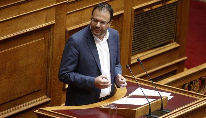 """Συζήτηση για δεύτερη ημέρα στην Ολομέλεια της Βουλής του σχεδίου νόμου του Υπουργείου Εσωτερικών και Διοικητικής Ανασυγκρότησης """"Αναλογική εκπροσώπηση των πολιτικών κομμάτων, διεύρυνση του δικαιώματος εκλέγειν και άλλες διατάξεις περί εκλογής Βουλευτών"""", την Τετάρτη 20 Ιουλίου 2016. (EUROKINISSI/ΓΙΩΡΓΟΣ ΚΟΝΤΑΡΙΝΗΣ)"""