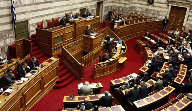ΑΘΗΝΑ-ΒΟΥΛΗ-συζητείται η πρόταση δυσπιστίας που κατέθεσε ο ΣΥΡΙΖΑ για την κυβέρνηση ΝΔ-ΠΑΣΟΚ// ΣΤΗ ΦΩΤΟΓΡΑΦΙΑ Ο ΒΟΥΛΕΥΤΗΣ ΤΟΥ  ΣΥΡΙΖΑ ΓΙΑΝΝΗΣ ΔΡΑΓΑΣΑΚΗΣ .(EUROKINISSI-ΓΙΩΡΓΟΣ ΚΟΝΤΑΡΙΝΗΣ)