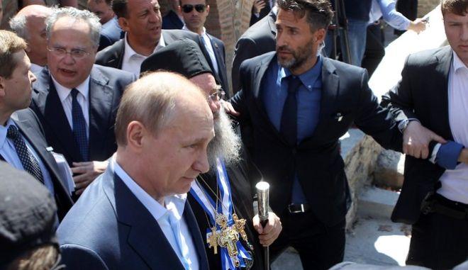 Πούτιν: Άρρηκτοι οι δεσμοί ανάμεσα στη Ρωσία και το Άγιον Όρος