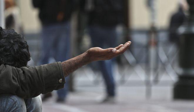 Η Ελλάδα στην ένδεια με τη βούλα των Θεσμών