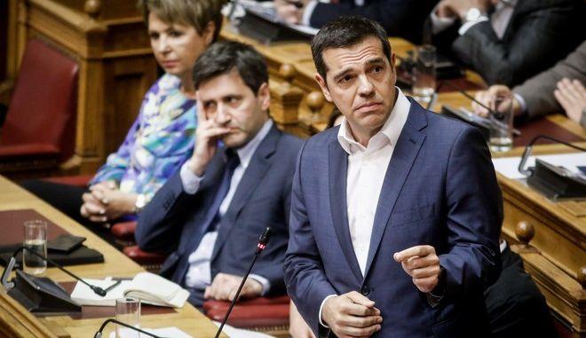 Ο Αλέξης Τσίπρας, στα κυβερνητικά έδρανα