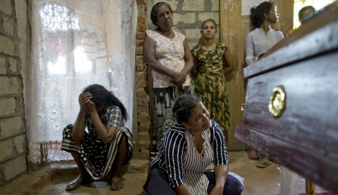 Μακελειό στη Σρι Λάνκα. Βομβιστικές επιθέσεις με εκατοντάδες νεκρούς ανήμερα του Πάσχα των Καθολικών.