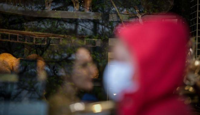 Στιγμιότυπα από την καθημερινότητα στην πόλη της Αθήνας