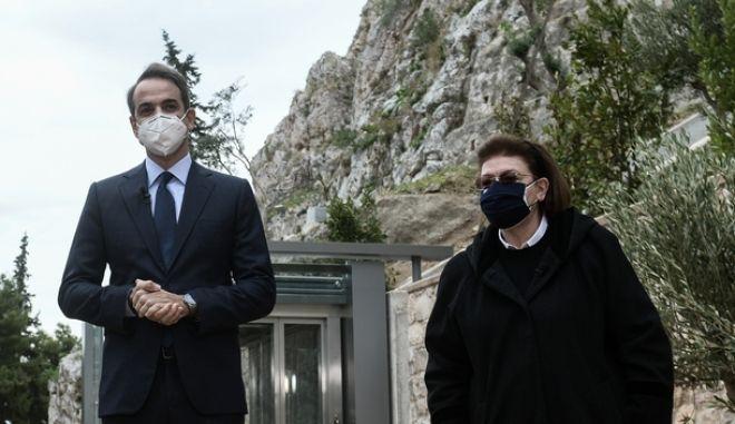 Ο πρωθυπουργός Κυριάκος Μητσοτάκης και η υπουργός Πολιτισμού Λίνα Μενδώνη