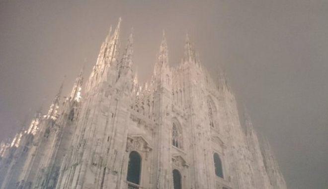 Πνίγεται στο νέφος το Μιλάνο. Απαγόρευση κυκλοφορίας για τα ΙΧ