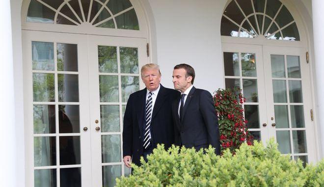 Ο Αμερικανός πρόεδρος Ντόναλντ Τραμπ και ο Γάλλος ομόλογός του Εμανουέλ Μακρόν στον Λευκό Οίκο