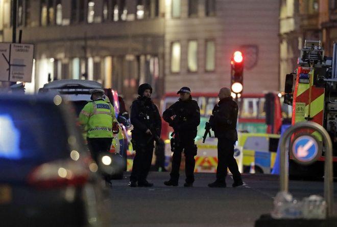 Επίθεση με μαχαίρι στο Λονδίνο, στο London Bridge