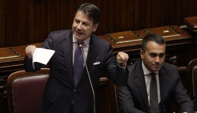 O Ιταλός πρωθυπουργός κατά την ομιλία του στη Βουλή.