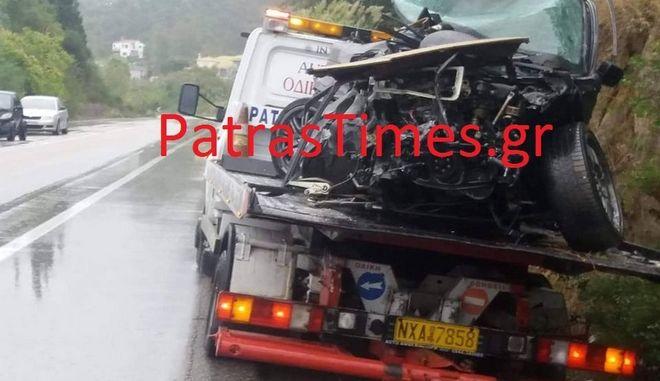 Ένα από τα οχήματα που ενεπλάκησαν στο τροχαίο δυστύχημα που στοίχισε τη ζωή σε δύο ανθρώπους