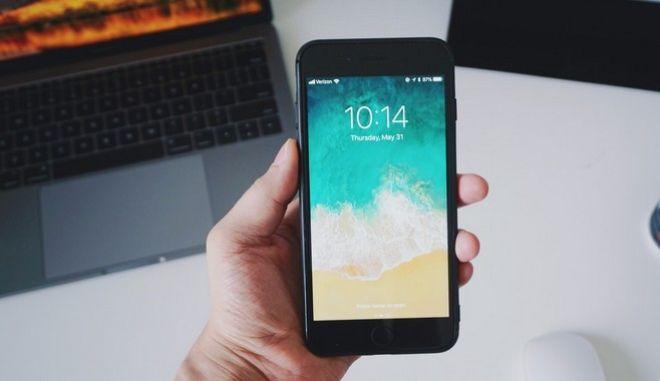 Κορονοϊός: 7 συμβουλές για να καθαρίζεις σωστά τις έξυπνες συσκευές σου