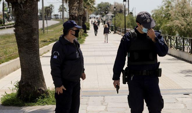Έλεγχοι της αστυνομίας στην παραλία Φλοίσβου