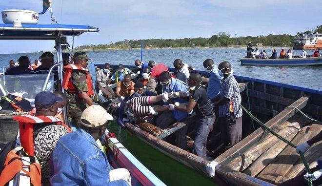 Θρήνος στην Τανζανία, όπου εκατοντάδες έχασαν τη ζωή τους στο ναυάγιο φέρι
