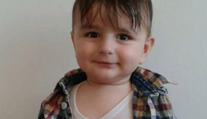 Νορβηγία: Πτώμα μωρού 15 μηνών βρέθηκε σε ακτή -  Προσπάθησε με τους γονείς του να διασχίσει την Μάγχη