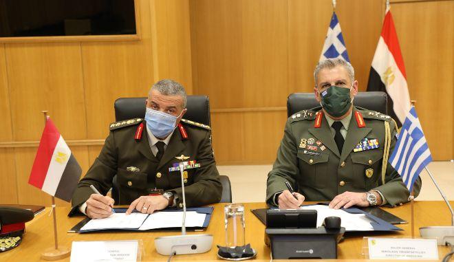 Ελλάδα-Αίγυπτος: Υπεγράφη πρόγραμμα διμερούς στρατιωτικής συνεργασίας για το 2021