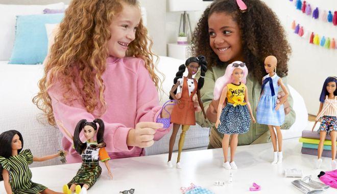 Εξερευνώντας τα Οφέλη του Παιχνιδιού με Κούκλες μέσω της Νευροεπιστήμης