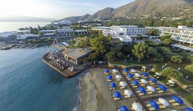 Γαλάζιες σημαίες στις ελληνικές παραλίες