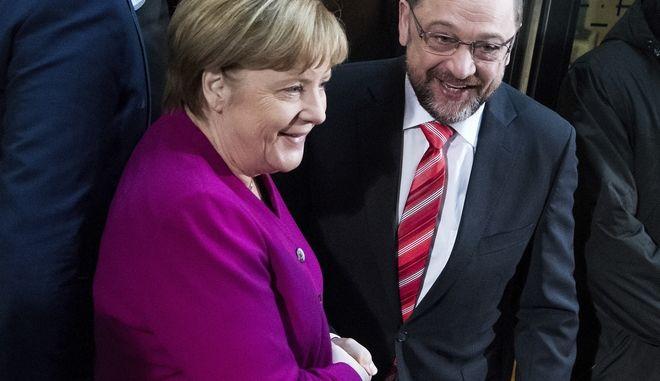 Κρίσιμη νύχτα στη Γερμανία: Εμπόδια στο μεγάλο συνασπισμό