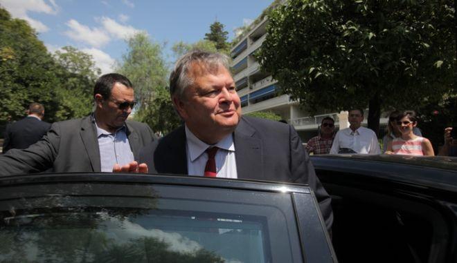 ΑΘΗΝΑ-Ο πρωθυπουργός, Αντώνης Σαμαράς, δέχθηκε σήμερα το πρωί στο Μαξίμου τον αντιπρόεδρο της κυβέρνησης, Ευάγγελο Βενιζέλο (φωτο).(EUROKINISSI-ΚΩΣΤΑΣ ΚΑΤΩΜΕΡΗΣ)