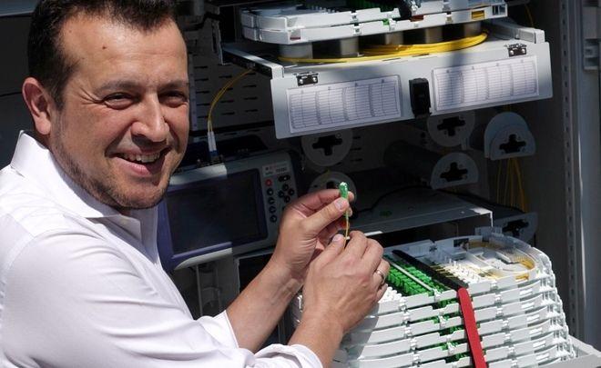 Όμιλος ΟΤΕ: Ενεργοποιήθηκε η πρώτη σύνδεση οπτικών ινών μέχρι το σπίτι