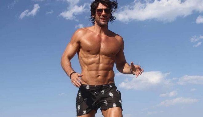 Το μοντέλο και ηθοποιός, πρώην παίκτης του Survivor Γιάννης Σπαλιάρας