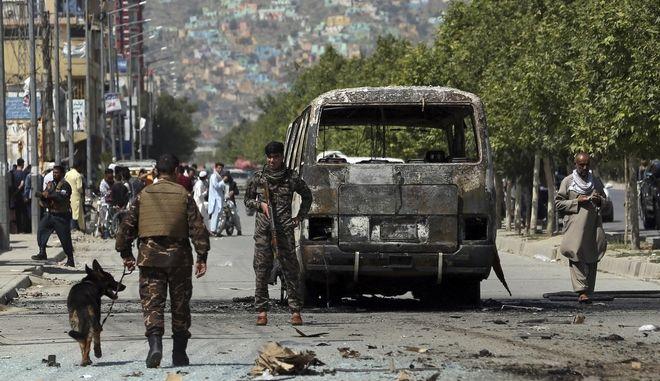 Τοποθέτηση βόμβας σε λεωφορείο, Αφγανιστάν Καμπούλ