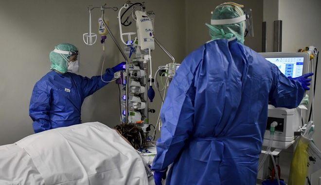 Νοσοκομείο στην Μπρέσια της Λομβαρδίας εν μέσω πανδημίας κορονοϊού