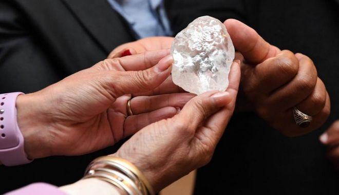 Μποτσουάνα: Εντοπίστηκε διαμάντι 1098 καρατίων