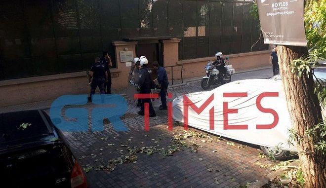 """Θεσσαλονίκη: """"Εισβολή"""" ατόμων στο τουρκικό προξενείο"""