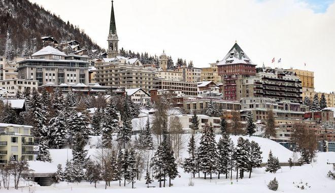 Κορονοϊός: Παραλλαγμένο στέλεχος στο Σεν Μόριτζ - Σε καραντίνα δύο ξενοδοχεία