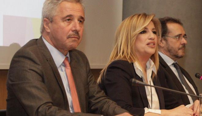 ΠΑΣΟΚ: Απρέπεια να ταυτίζεται ο Α. Τσίπρας με τον Α. Παπανδρέου