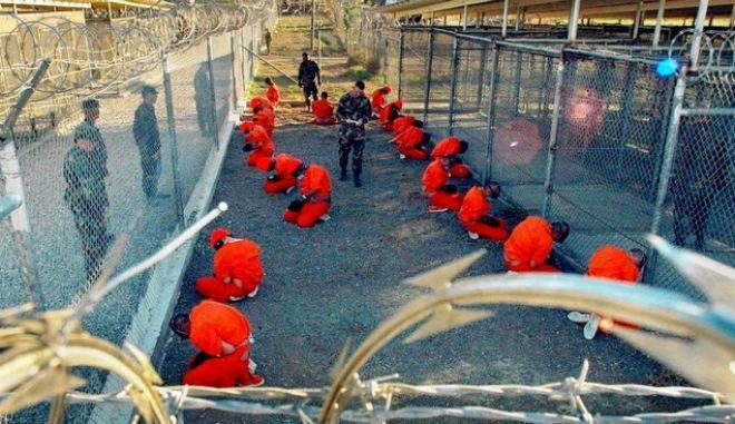 Εγκρίθηκε η μεταγωγή 17 κρατουμένων στο Γκουαντάναμο σε άλλες χώρες