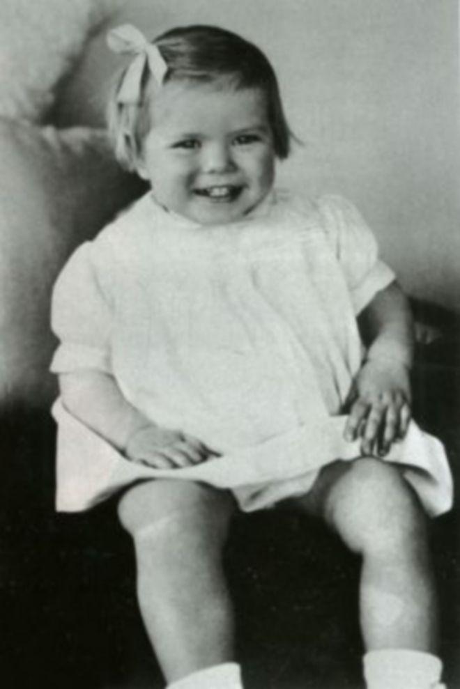 Μηχανή του Χρόνου: Ζωή σαν παραμύθι: Ποιο είναι το κοριτσάκι της φωτογραφίας, που έγινε πριγκίπισσα