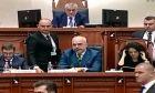 Αλβανία: Η στιγμή που βουλευτής έριξε μελάνι στον Έντι Ράμα