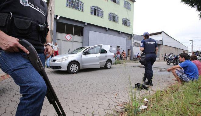 Βραζιλία: Έφηβος σκότωσε με περίστροφο δύο μαθητές