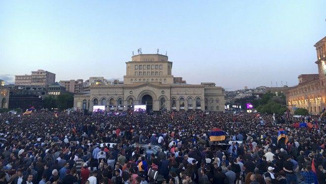 Συνεχίζονται οι μαζικές κινητοποιήσεις των πολιτών και σήμερα, φωτογραφία από τις χθεσινές διαδηλώσεις