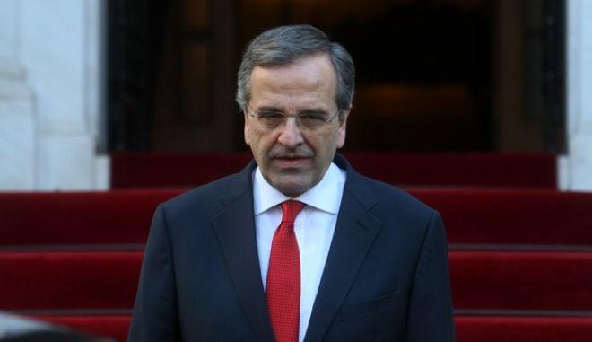 Ο πρωθυπουργός Αντώνης Σαμαράς αναμένει τον πρωθυπουργό της Ισπανίας Μαριάνο Ραχόι στο Μέγαρο Μαξίμου την Τετάρτη 14 Ιανουαρίου 2015. (EUROKINISSI/ΤΑΤΙΑΝΑ ΜΠΟΛΑΡΗ)