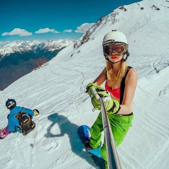 Καλλίγραμμες Ρωσίδες έβαλαν τα μαγιό τους και έκαναν σκι για να σπάσουν το ρεκόρ Γκίνες