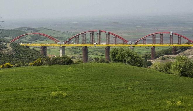 Ο υπουργός Υποδομών και Μεταφορών Χρήστος Σπίρτζης έδωσε σε κυκλοφορία την Άνω Διάβαση Λιανοκλαδίου