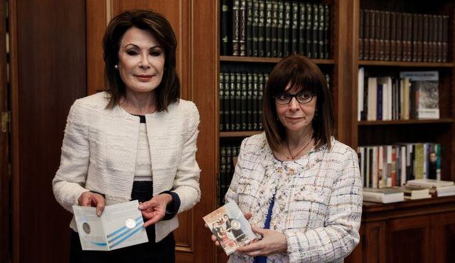 """Συνάντηση της Προέδρου της Δημοκρατίας Κατερίνας Σακελλαροπούλου με την Πρόεδρο της Επιτροπής """"Ελλάδα 2021"""" Γιάννα Αγγελοπούλου"""