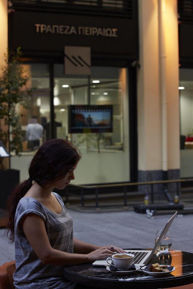 Η Τράπεζα Πειραιώςπροσφέρει νέες δυνατότητες εξυπηρέτησης κατά τη διάρκεια της πανδημίας