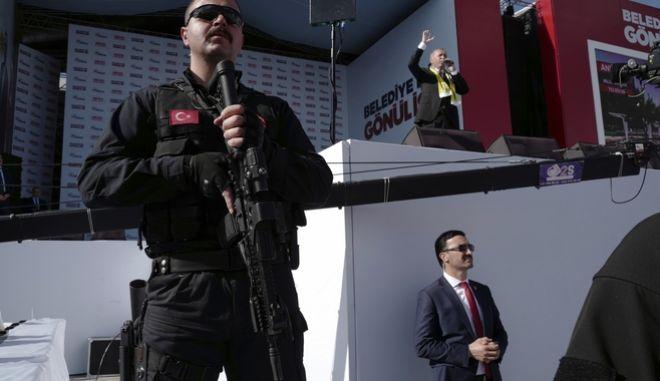 Δρακόντεια μέτρα ασφαλερίας στις προεκλογικές ομιλίες του Ερντογάν