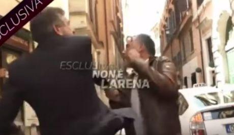 Ιταλία: Πρώην υπουργός χαστουκίζει δημοσιογράφο κατά τη διάρκεια συνέντευξης