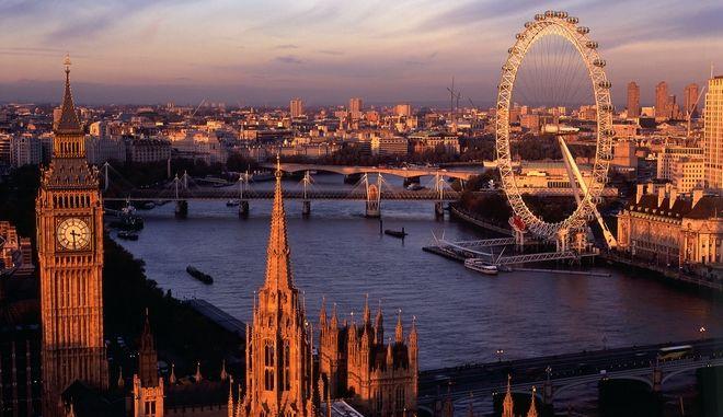 Ανεξάρτητο Λονδίνο, εντός ΕΕ, ζητούν χιλιάδες Βρετανοί